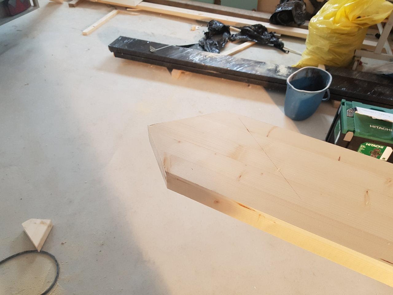 möblera avlångt rum